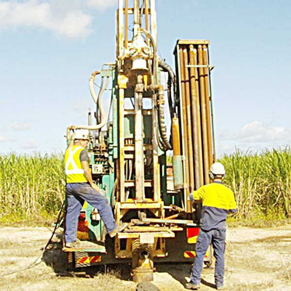 bore drill rig in action